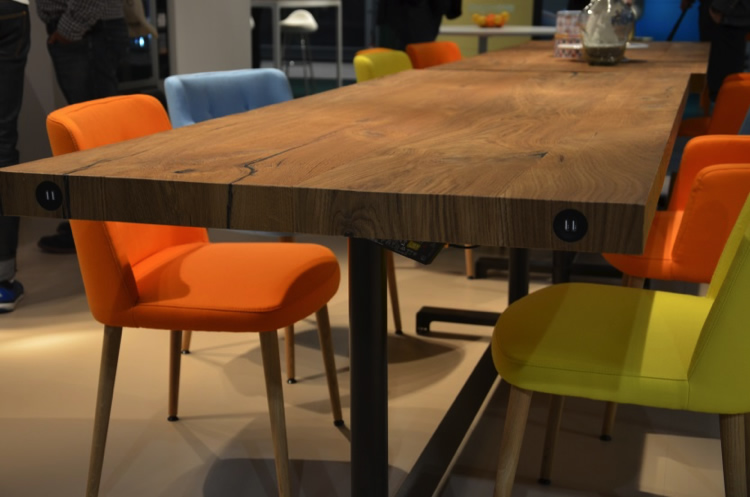 Asztal USB