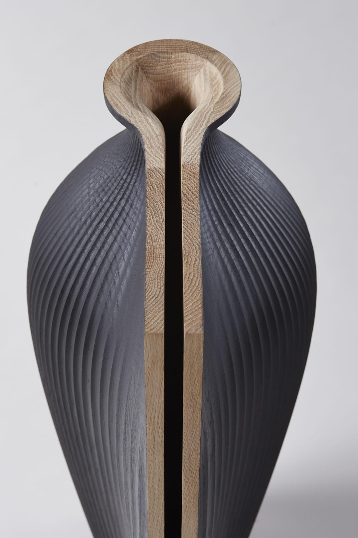 Ez az amfora Gareth Neal designer és Zaha Hadid építész alkotása