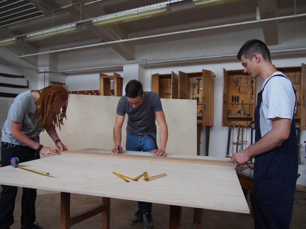 KAESZ diákok munka közben